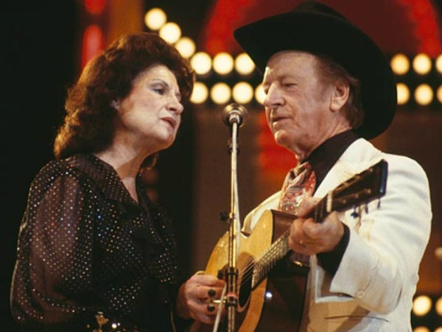 Kitty-Wells-and-Johnnie-Wright