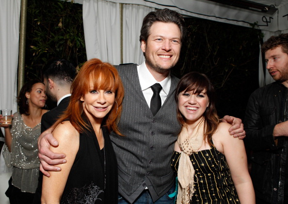 Blake Shelton with Reba and Kelly Clarkson