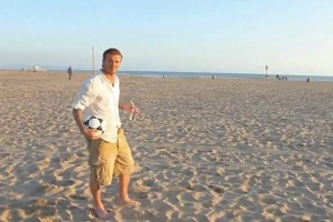 David Beckham Kicks Soccer Balls on the Beach – Real or Fake? [VIDEO]