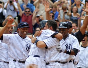 Derek Jeter Scores 3000th Hit, Fan Returns Ball [VIDEO]