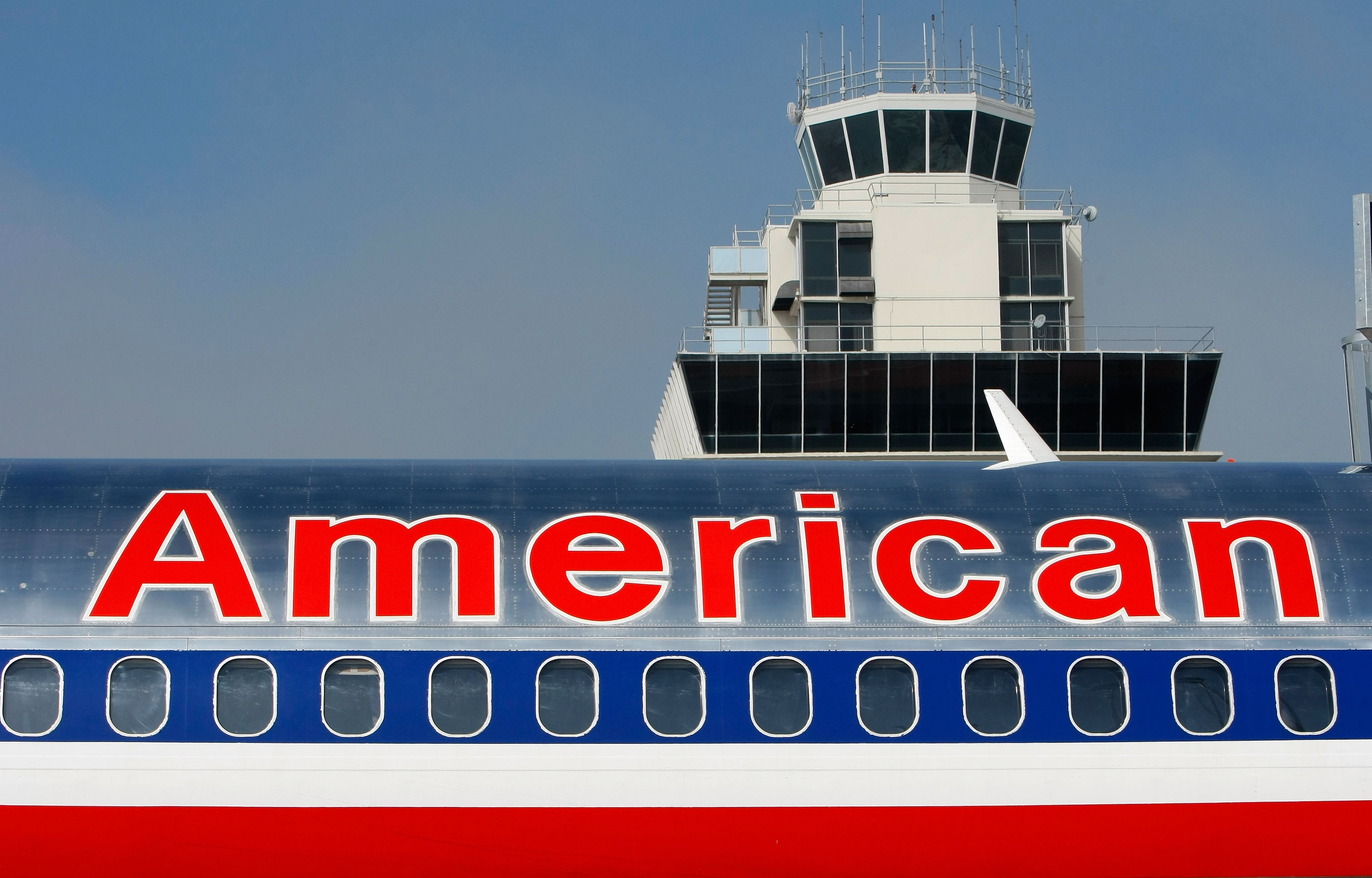 American Airlines Strikes at United Hub With New Chicago Routes