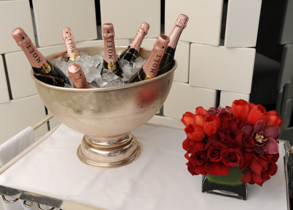 Champagne and Roses (Getty)