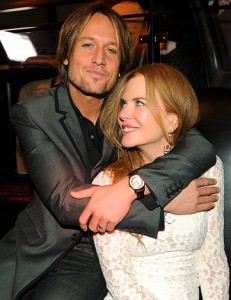 Keith Urban hugs Nicole Kidman