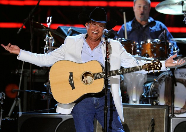 george strait performs in Brooks & Dunn's Last Rodeo Tour