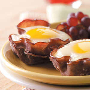 Taste of Home's Eggs in Muffin Cups