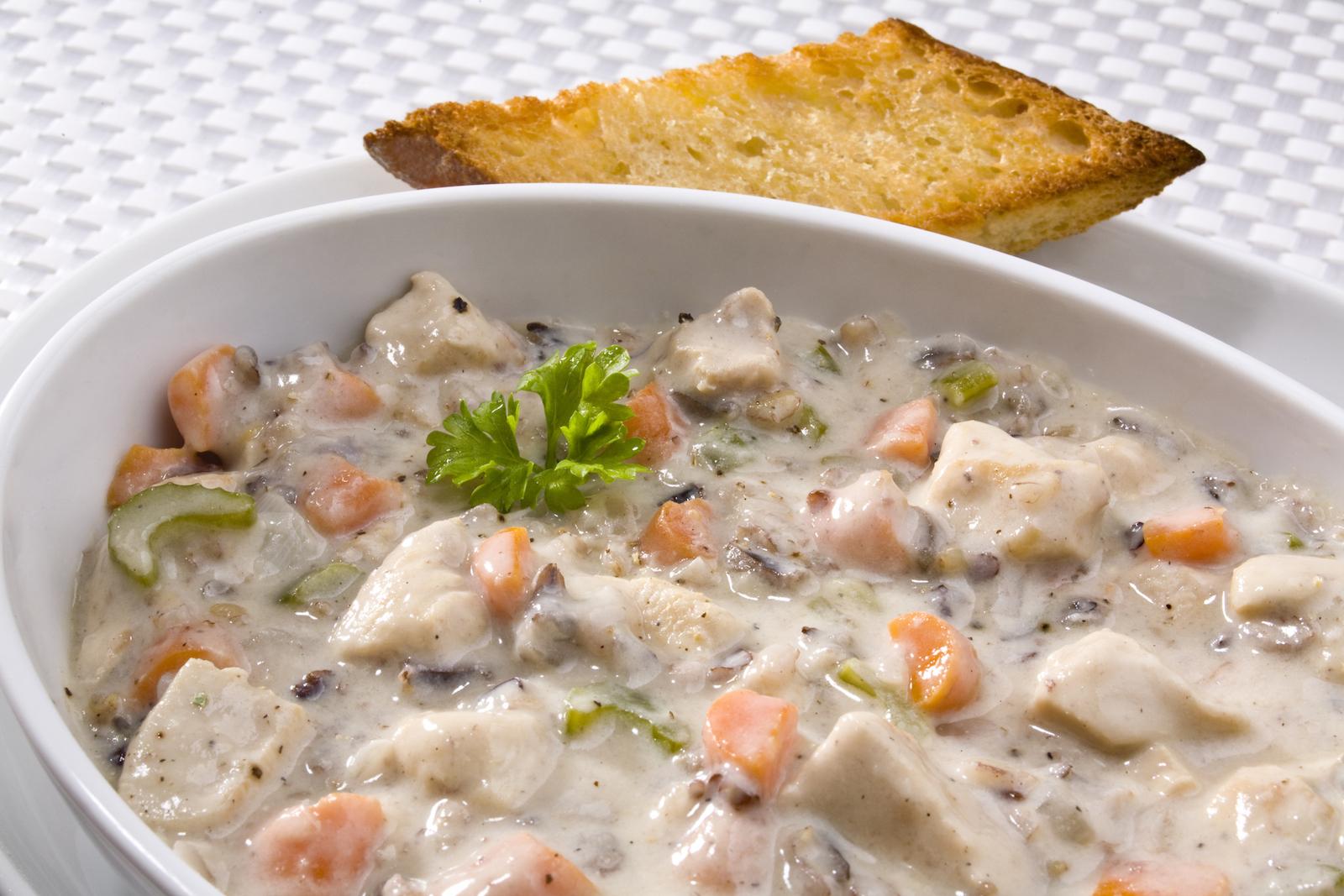Wilde rice chicken soup