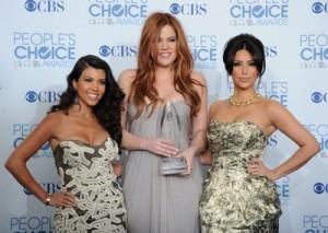 Khloe Kardashian Kolors Her Hair!