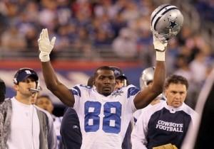 Dallas Cowboy's wide receiver violates mall dress code!