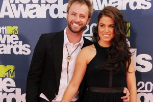 Season 10 American Idol Paul McDonald is engaged to a Twilight actress!