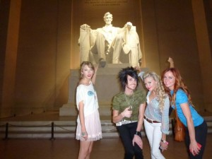 Taylor Swift tours Washington D.C.!