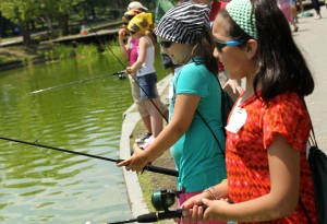 Schoolkids Go Fishing On The National Mall In Washington