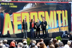 "Aerosmith Announces Their ""The Global Warming"" Tour"