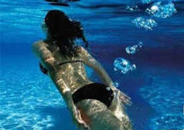 farting underwater