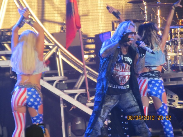 Motley Crue - Kiss in Dallas