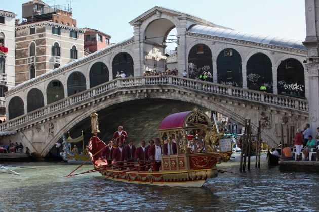 Venice Hosts The Historical Regatta Storica