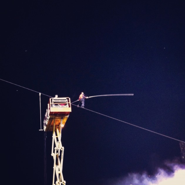 Nik Wallenda high-wire tightrope Niagara Falls