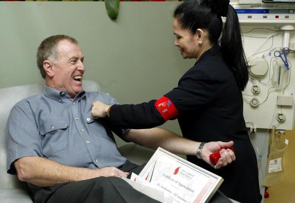 Ian Gardiner makes his 300th blood donat
