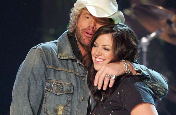Toby Keith S Daughter Keeps It In The Family For Her Solo