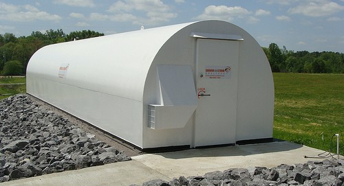 Portable Tornado Shelters : Keeping your family safe during a tornado with storm shelter