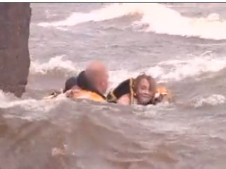 12 year old rescued from raging waves of lake superior video - 18 Year