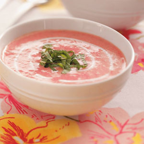 Unique Summer Flavor In Taste Of Home's Strawberry Soup Recipe