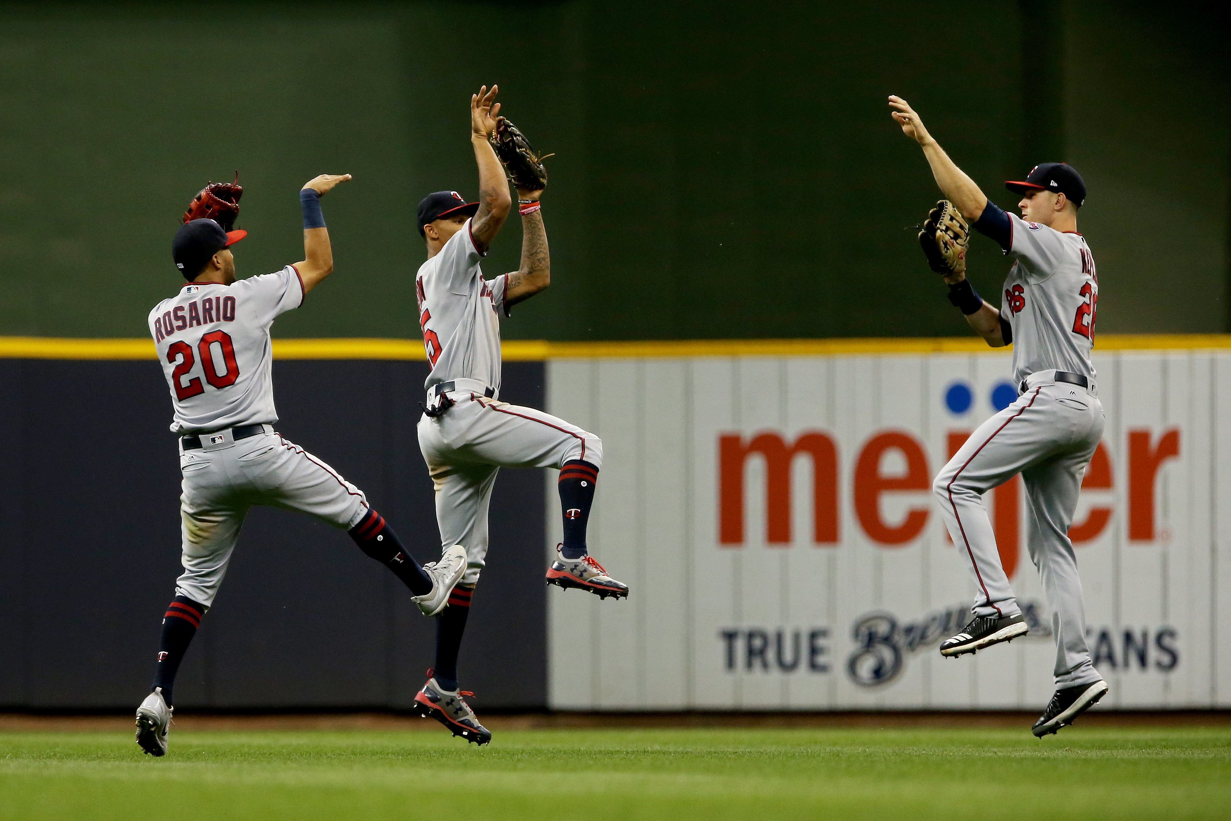 get discounted minnesota twins tickets through the dnr. Black Bedroom Furniture Sets. Home Design Ideas