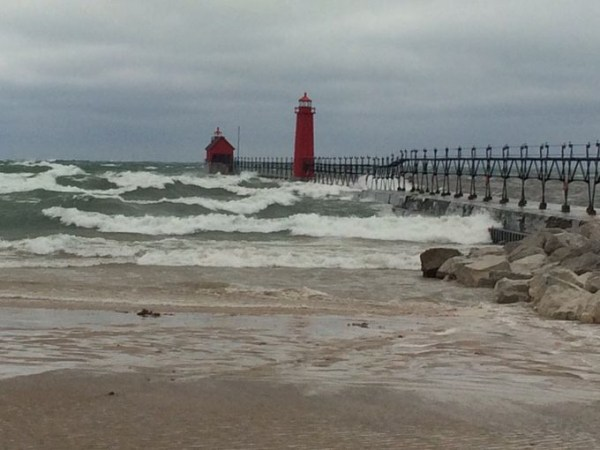 Grand haven pier to close due to big storm video for Grand haven fishing report