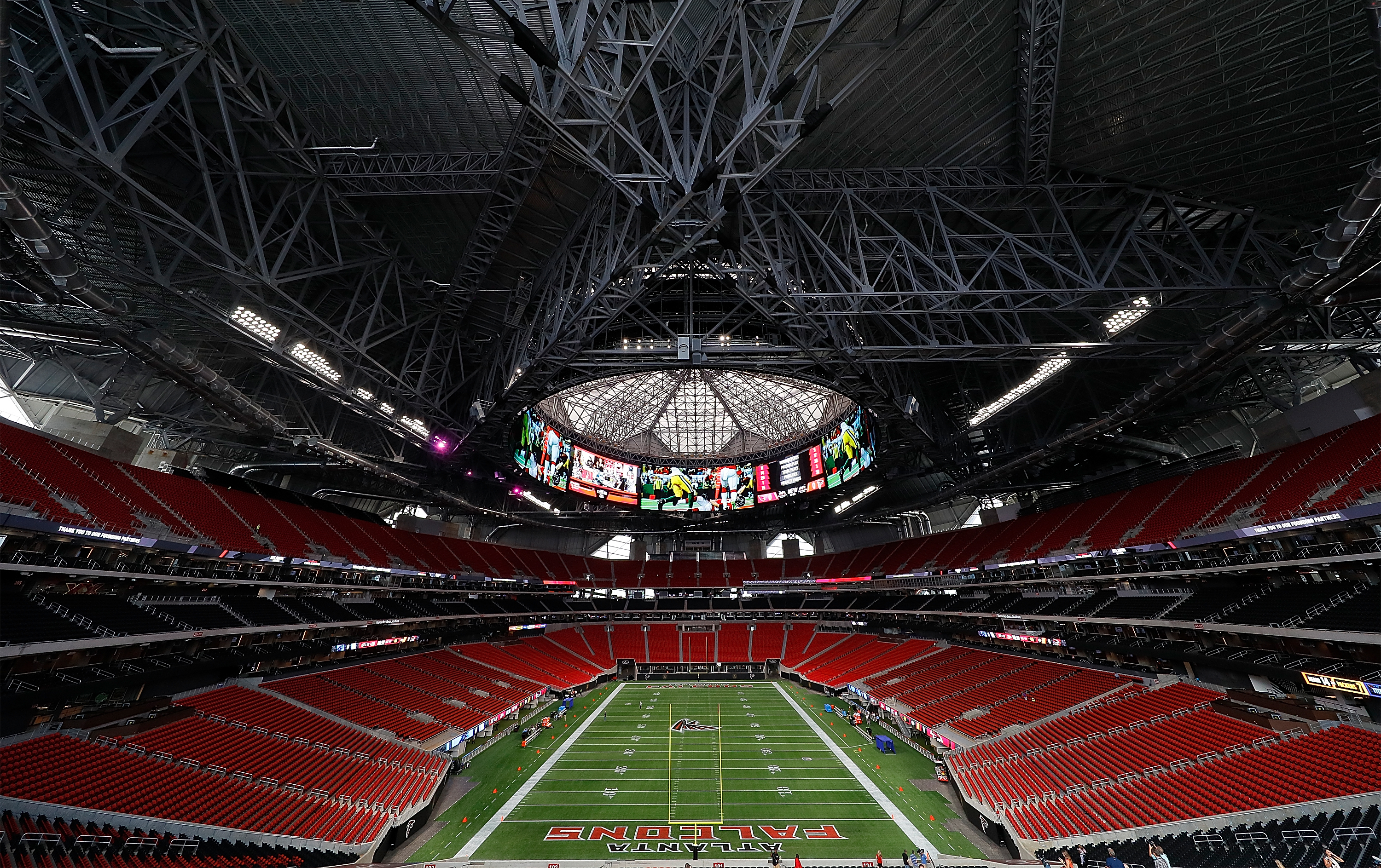 This time lapse video of mercedes benz stadium s for Tours of mercedes benz stadium atlanta